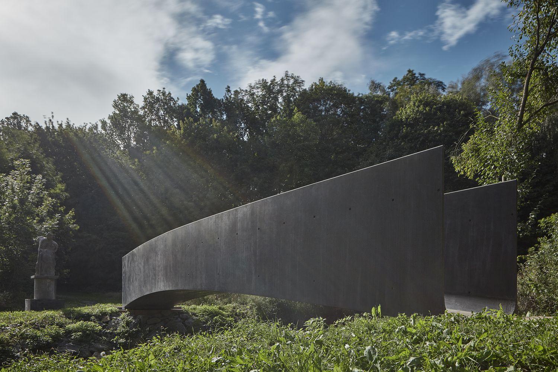 Betoninis čekų tiltas