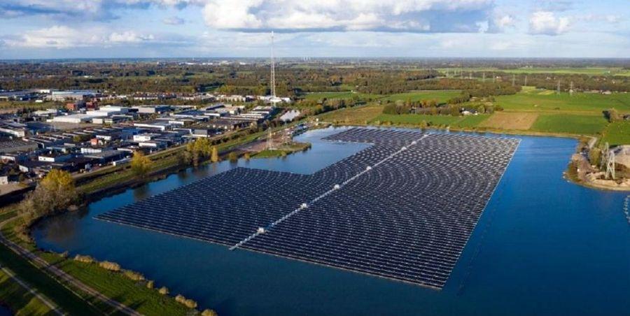 Plūduriuojanti saulės jėgainė