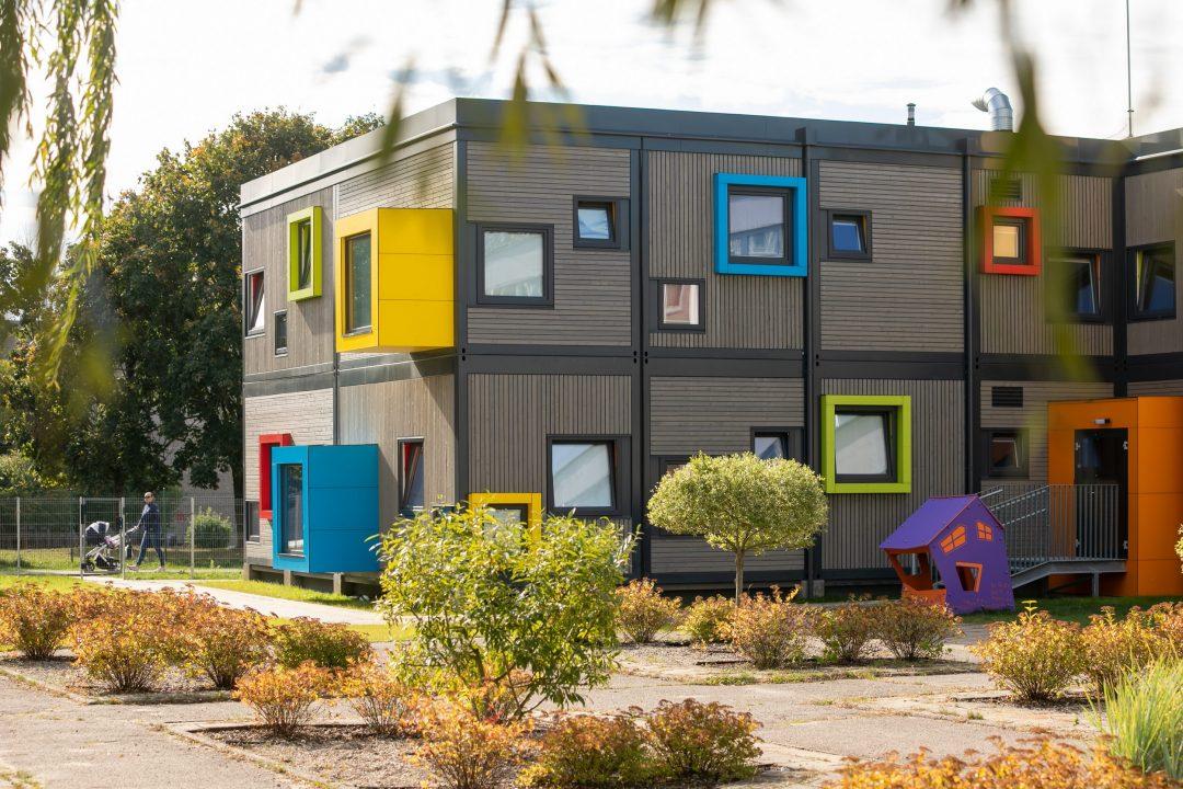 Karoliniškių modulinis vaikų darželis (arch. Sigito Kuncevičiaus projektavimo firma). Foto: Sauliaus Žiūros.