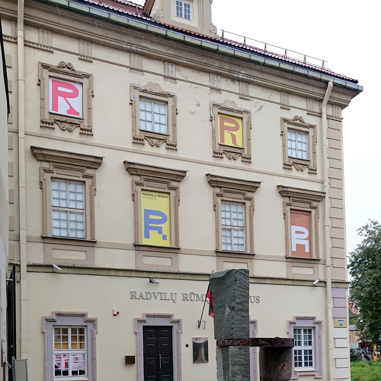 Radvilų rūmai